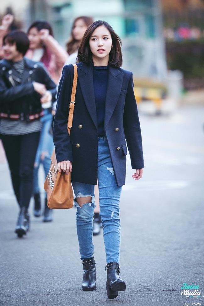"""Quả đúng là tiểu thư gia thế khủng, Mina (TWICE) mặc toàn đồ đơn giản cũng tỏa khí chất """"lá ngọc cành vàng"""" nhìn mà mê  - Ảnh 11."""