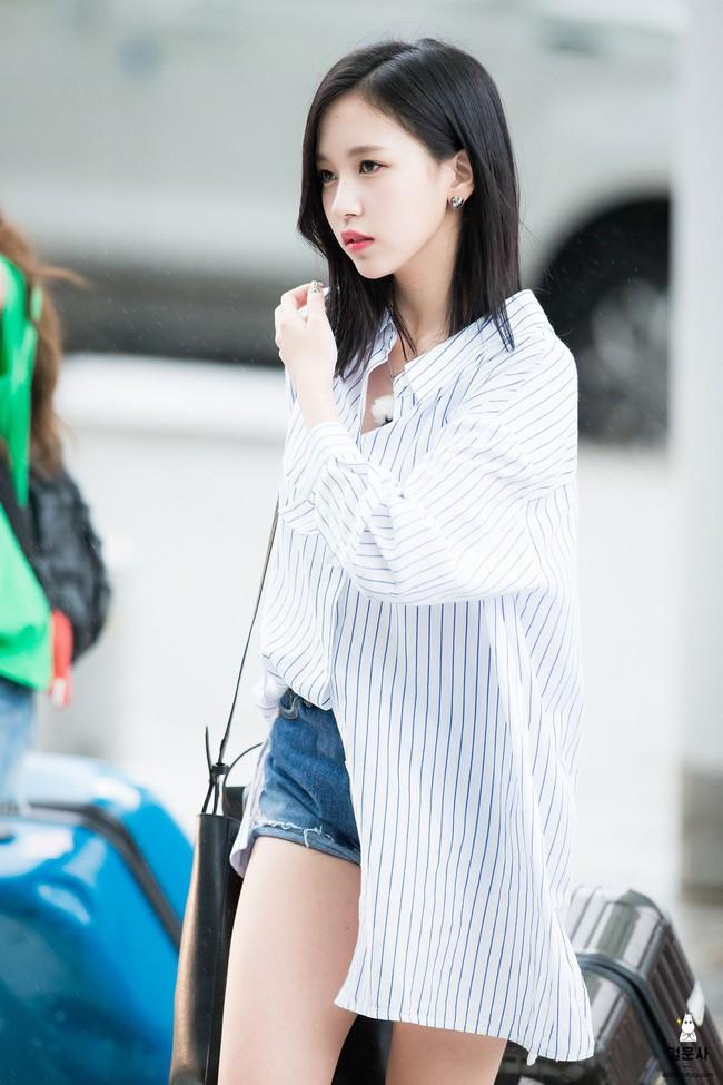 """Quả đúng là tiểu thư gia thế khủng, Mina (TWICE) mặc toàn đồ đơn giản cũng tỏa khí chất """"lá ngọc cành vàng"""" nhìn mà mê  - Ảnh 9."""