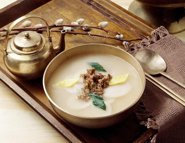 Tết Nguyên Đán tại Hàn Quốc: Giống các nước Á Đông về ý nghĩa nhưng lại khác xa về phong tục và ẩm thực - Ảnh 4.