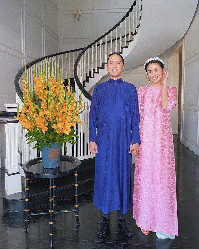Hà Tăng diện áo dài Tết: Mỗi năm đổi một bộ, riêng ông xã chỉ có 2 bộ xoay vòng  - Ảnh 3.