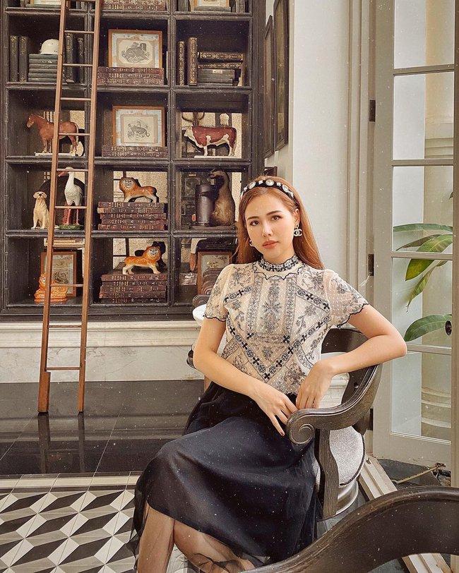 Những outfit đơn giản nhưng cực ra dáng phu nhân Tổng giám đốc của Phanh Lee - Ảnh 8.