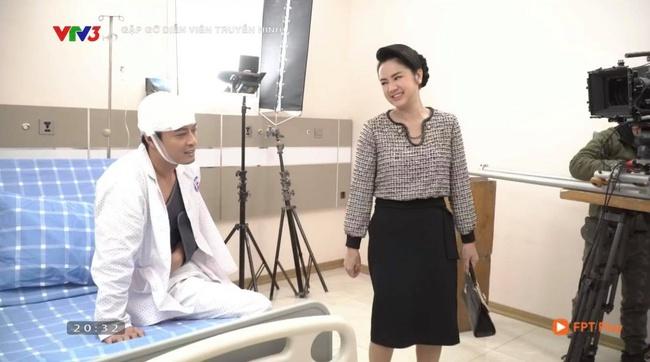 Hướng dương ngược nắng: Lộ cảnh Kiên thương tích đầy người nằm bệnh viện vẫn bị bà Cúc xông vào tát lật mặt - Ảnh 3.
