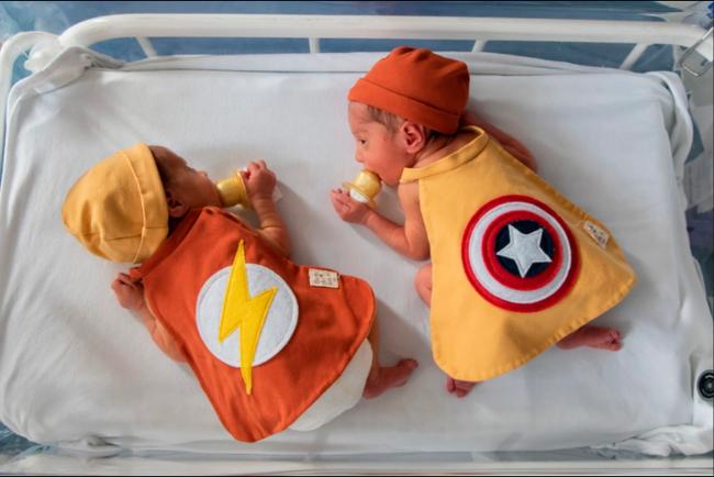 Hình ảnh những em bé sinh non hóa thân thành các siêu anh hùng, chứng minh khả năng chiến đấu mạnh mẽ để giành lại sự sống lay động trái tim người xem  - Ảnh 4.