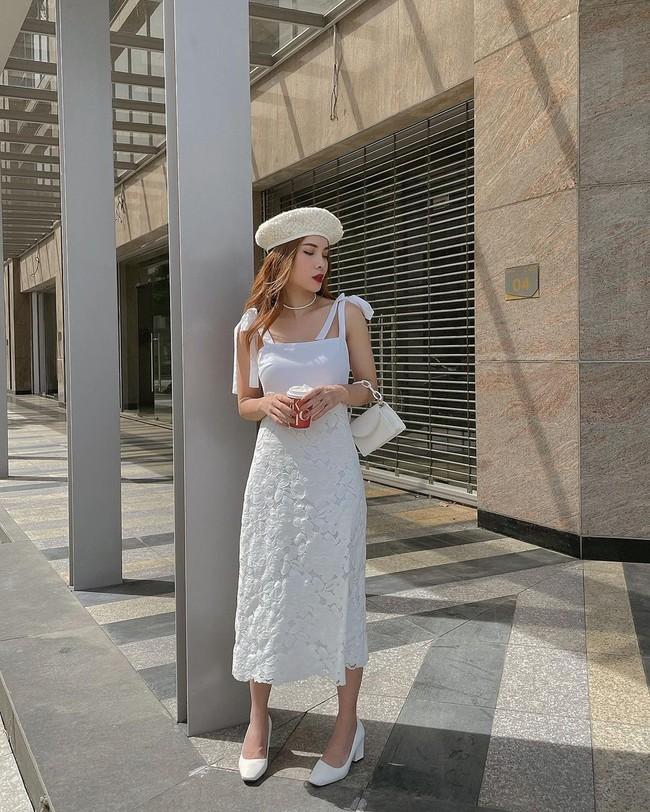 5 mẫu giày hoàn hảo để mix với váy trắng: Vừa tôn dáng hết cỡ, vừa gia tăng gấp mấy lần vẻ tinh tế và sang chảnh - Ảnh 3.