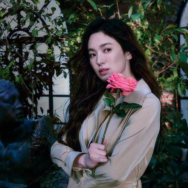 """Lộ diện """"đối tượng"""" giúp Song Hye Kyo vượt qua cú sốc ly hôn với Song Joong Ki - Ảnh 3."""