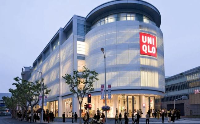 Uniqlo chính thức vượt Zara trở thành thương hiệu quần áo lớn nhất thế giới - Ảnh 1.