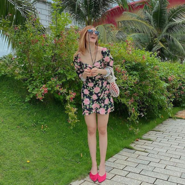 Xuân sang là sao Việt lại đua nhau diện váy hoa, nhìn mê li thế này mà không sắm theo thì rất phí - Ảnh 7.