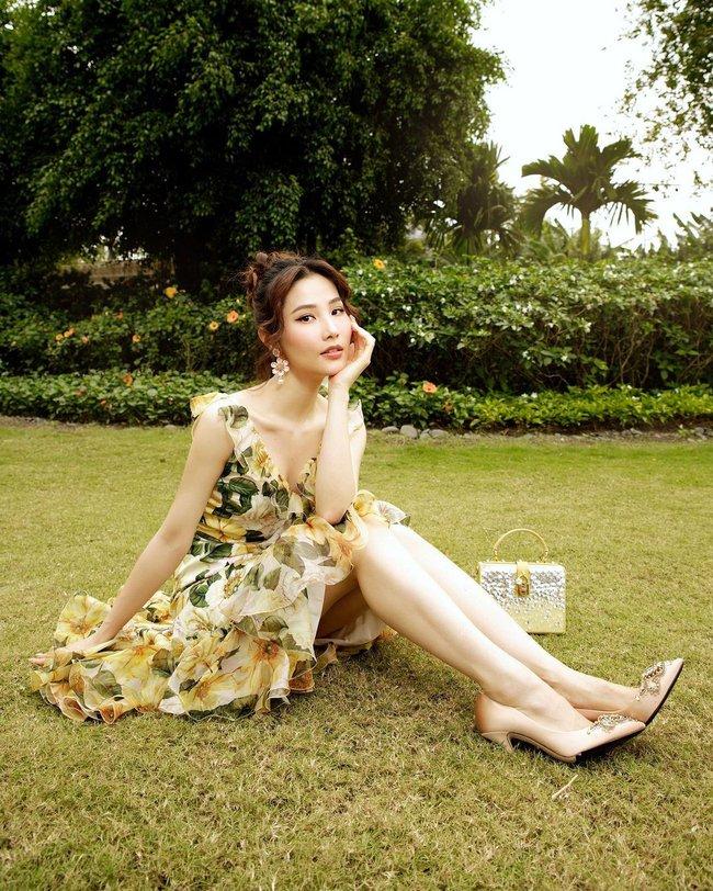 Xuân sang là sao Việt lại đua nhau diện váy hoa, nhìn mê li thế này mà không sắm theo thì rất phí - Ảnh 6.