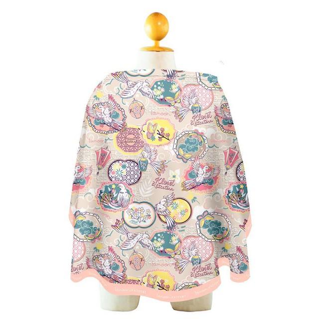 """Đưa con ra ngoài, Đông Nhi cẩn thận sắm ngay một chiếc áo choàng cho con bú, biết giá chiếc áo ai cũng thốt lên: """"Rich om"""" - Ảnh 4."""