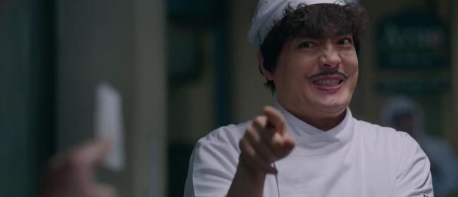 Song Joong Ki tái xuất trong phim Vincenzo cực điển trai: Bị cướp sạch đồ phải sống trong khu ổ chuột, đến tắm còn không có nước - Ảnh 7.
