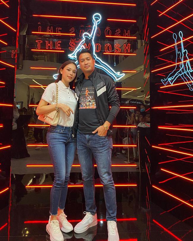 Style của Linh Rin khi sóng đôi với Phillip Nguyễn: Đơn giản mấy cũng cực ra dáng thiếu phu nhân, bảo sao dân tình cứ giục cưới - Ảnh 5.