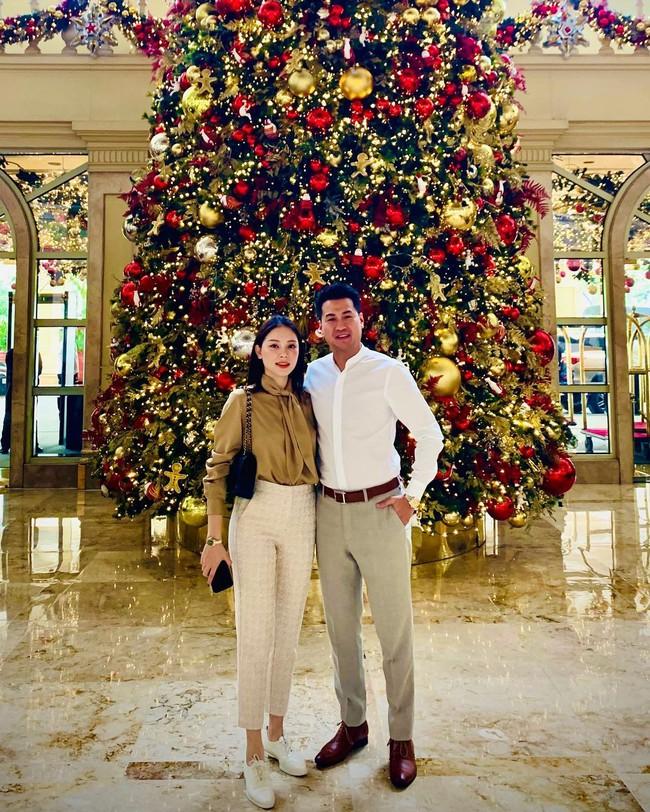 Style của Linh Rin khi sóng đôi với Phillip Nguyễn: Đơn giản mấy cũng cực ra dáng thiếu phu nhân, bảo sao dân tình cứ giục cưới - Ảnh 2.