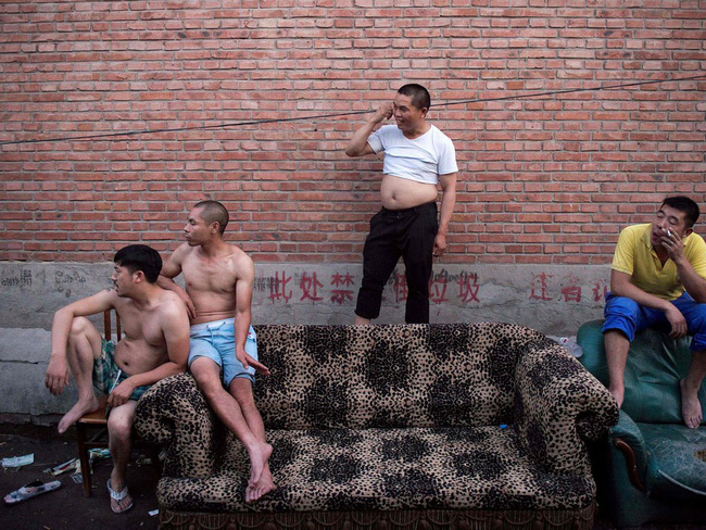 Ba việc lớn 'nặng như núi' của đàn ông Trung Quốc: Mua xe, tậu nhà, lấy vợ - Ảnh 1.
