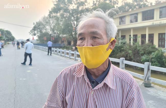 Người dân Bắc Ninh vỗ tay chứng kiến hàng rào cách ly được gỡ bỏ - Ảnh 7.