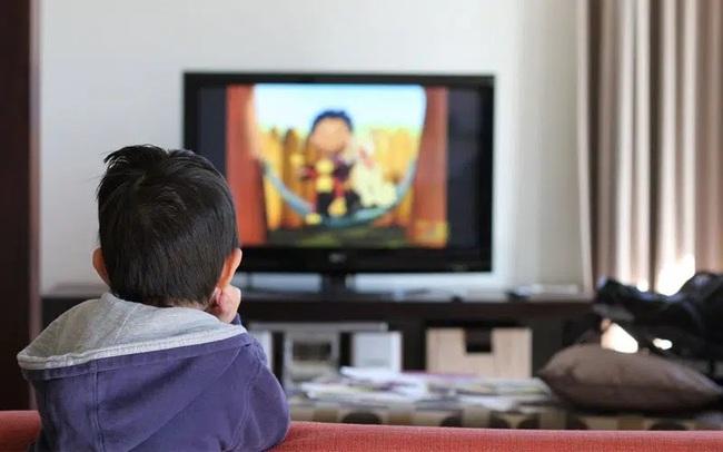 """Con 4 tuổi dọa """"Không cho xem tivi sẽ phá"""", bà mẹ ở Hà Nội chỉ nói một câu mà bé thay đổi ngay thái độ - Ảnh 2."""