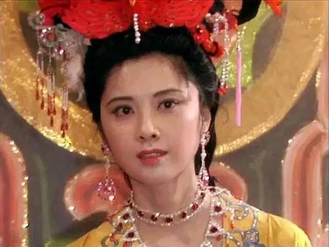 Nữ vương đẹp nhất Tây du ký 1986: Từng là sinh viên của 2 đại học danh tiếng, vì vai diễn để đời mà chịu nỗi oan ảnh hưởng đến gia đình - Ảnh 1.