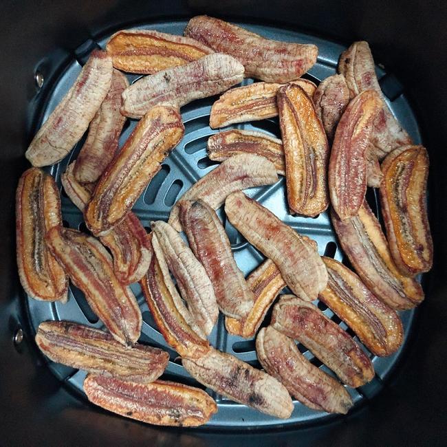 Sau Tết nhà nào chắc cũng thừa chuối, đây là cách giúp chị em xử lý món chuối sấy đơn giản mà siêu ngon - Ảnh 12.