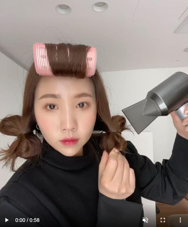Thợ làm tóc người Hàn chỉ cách uốn tóc cực dễ, tạo sóng xoăn lơi tự nhiên mà không mất nhiều thời gian  - Ảnh 4.
