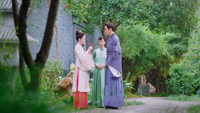 """Đỏ mặt với cảnh giường chiếu ôm ấp của Đàm Tùng Vận và """"ông chú U50"""" Chung Hán Lương  - Ảnh 10."""