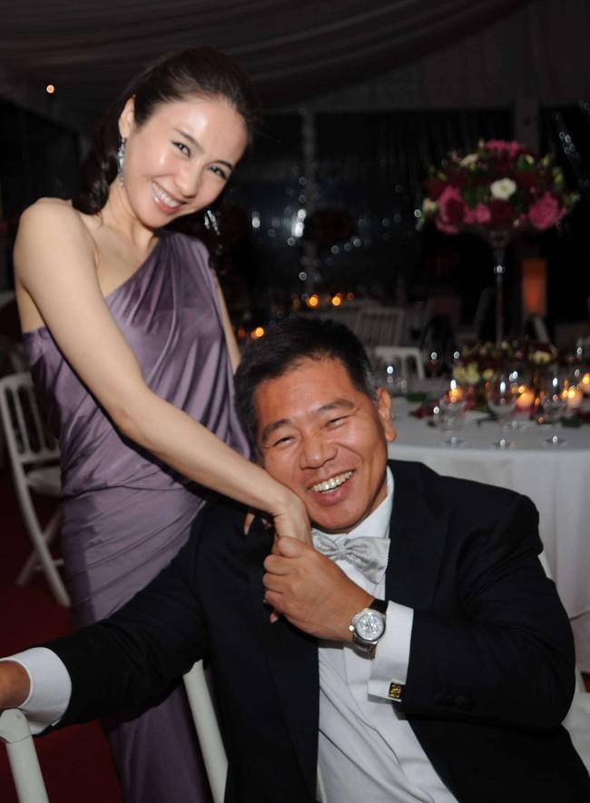 """Những cặp đôi """"vợ đẹp chồng xấu"""" nổi tiếng trong showbiz Hoa ngữ - Ảnh 3."""