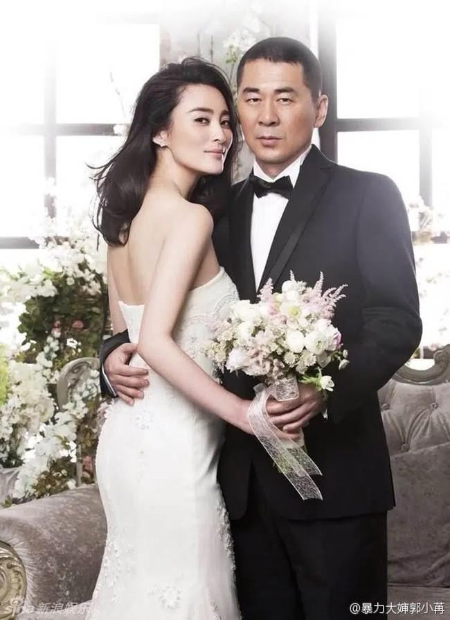"""Những cặp đôi """"vợ đẹp chồng xấu"""" nổi tiếng trong showbiz Hoa ngữ - Ảnh 6."""