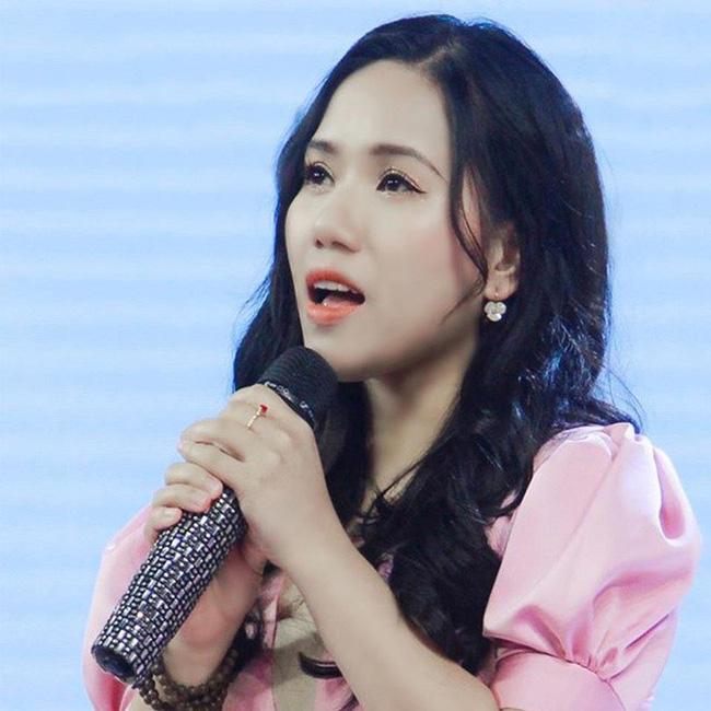 """Thùy Chi đăng bản cover """"Chúng ta của hiện tại"""" lên Fanpage để câu view trong lúc Sơn Tùng M-TP gặp scandal - Ảnh 3."""