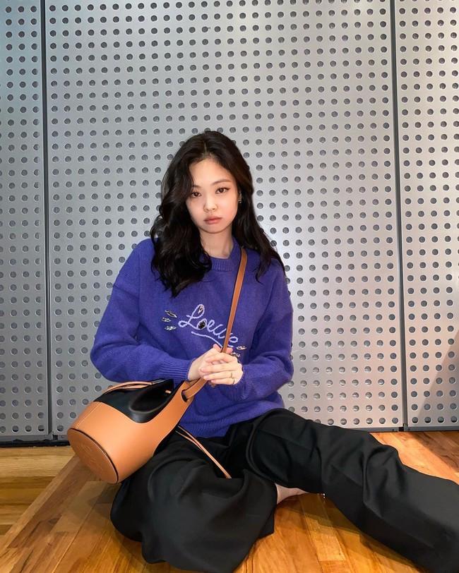 Style đời thường của Jennie và G-Dragon đẳng cấp thế nào mà được netizen khen là couple vừa có tài vừa có gu? - Ảnh 4.
