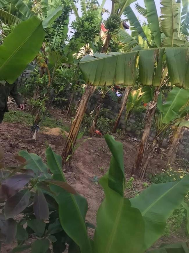 Hiện trường vụ thi thể thiếu nữ 16 tuổi phát hiện tại nhà riêng ở Hà Nam, thông tin nạn nhân tử vong lõa thể ở vườn chuối là không đúng sự thật - Ảnh 1.