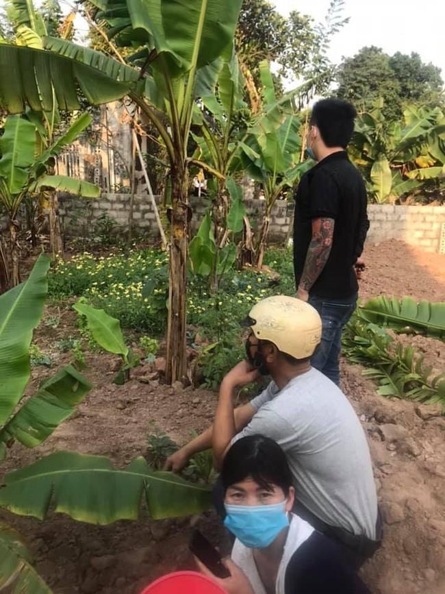 Hiện trường vụ thi thể thiếu nữ 16 tuổi phát hiện tại nhà riêng ở Hà Nam, thông tin nạn nhân tử vong lõa thể ở vườn chuối là không đúng sự thật - Ảnh 2.