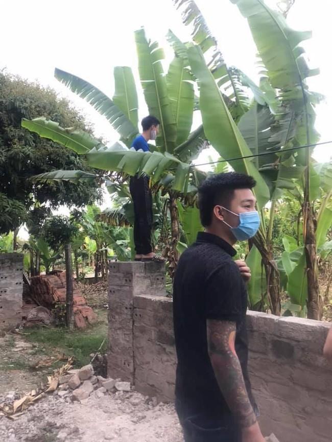 Hiện trường vụ thi thể thiếu nữ 16 tuổi phát hiện tại nhà riêng ở Hà Nam, thông tin nạn nhân tử vong lõa thể ở vườn chuối là không đúng sự thật - Ảnh 4.