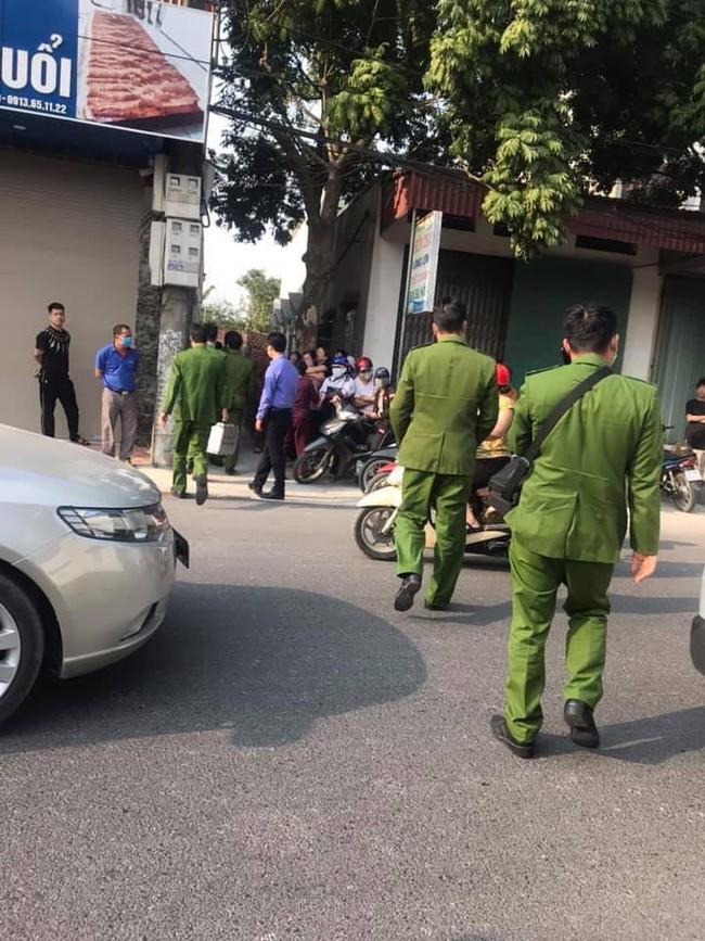 Hiện trường vụ thi thể thiếu nữ 16 tuổi phát hiện tại nhà riêng ở Hà Nam, thông tin nạn nhân tử vong lõa thể ở vườn chuối là không đúng sự thật - Ảnh 5.