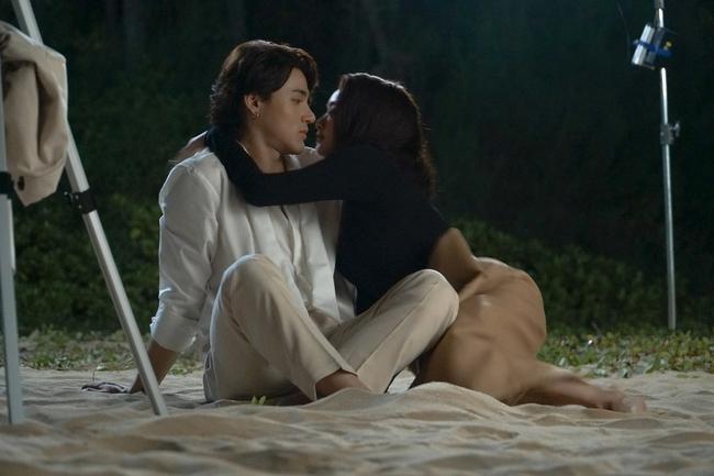 Kaity Nguyễn quay 5 cảnh nóng táo bạo, choáng nhất là hôn trai trẻ cực nhạy cảm trên bãi biển - Ảnh 10.