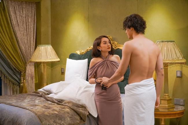 Kaity Nguyễn quay 5 cảnh nóng táo bạo, choáng nhất là hôn trai trẻ cực nhạy cảm trên bãi biển - Ảnh 13.