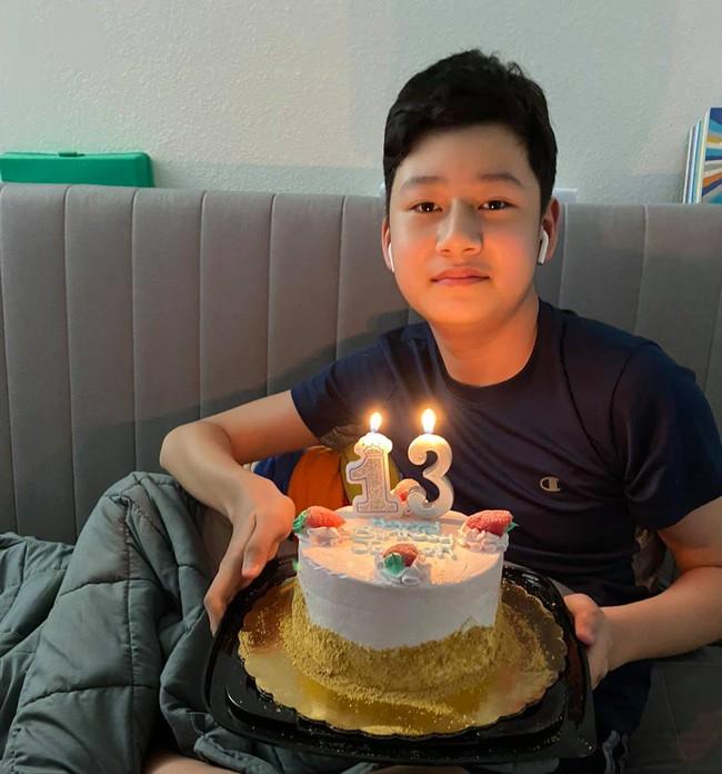 Bảo Nam giống Quang Dũng như 2 giọt nước trong bức ảnh mừng sinh nhật tuổi mới, biết chiều cao hiện tại của bé ai cũng choáng - Ảnh 2.