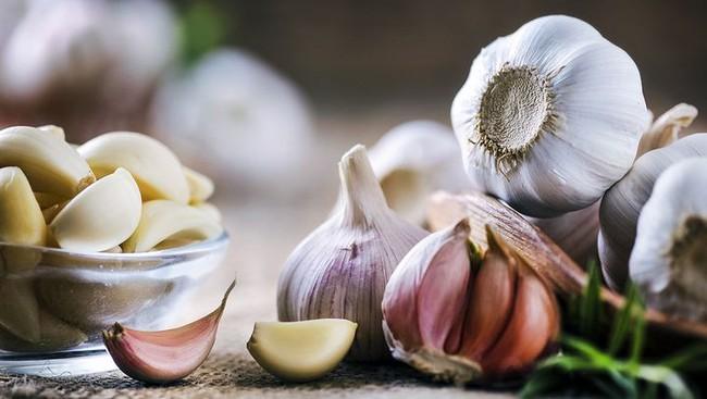 6 loại thực phẩm này, ăn một ít mỗi ngày không chỉ ngăn ngừa ung thư mà còn tăng cường miễn dịch mùa Covid - Ảnh 1.