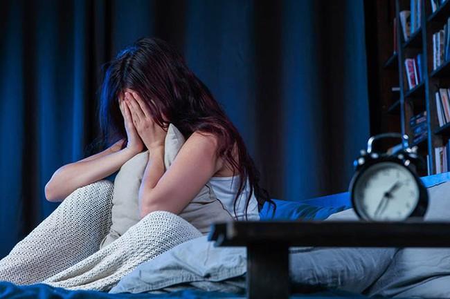 Muốn sống lâu và khỏe mạnh thì nhất định không được ngủ trong 3 trường hợp này - Ảnh 1.