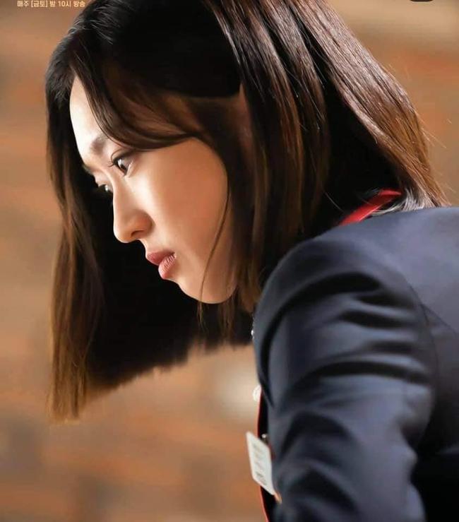 Cuộc chiến thượng lưu tập 4: Seok Hoon khiến người xem trổ quạu vì quá hèn nhát, thấy Ro Na bị ức hiếp vẫn trơ mắt đứng nhìn - Ảnh 10.