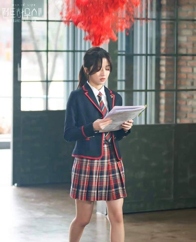 Cuộc chiến thượng lưu tập 4: Seok Hoon khiến người xem trổ quạu vì quá hèn nhát, thấy Ro Na bị ức hiếp vẫn trơ mắt đứng nhìn - Ảnh 7.