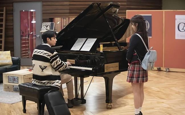 Cuộc chiến thượng lưu tập 4: Seok Hoon khiến người xem trổ quạu vì quá hèn nhát, thấy Ro Na bị ức hiếp vẫn trơ mắt đứng nhìn - Ảnh 3.