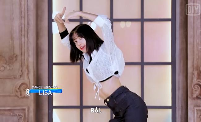 Thanh xuân có bạn 3: Lisa (BLACKPINK) dạy nhảy cho thí sinh, để lộ vòng eo cực phẩm - Ảnh 5.