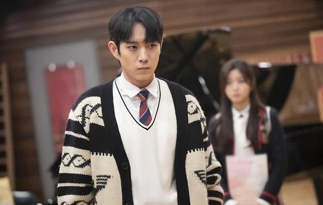 Cuộc chiến thượng lưu tập 4: Seok Hoon khiến người xem trổ quạu vì quá hèn nhát, thấy Ro Na bị ức hiếp vẫn trơ mắt đứng nhìn - Ảnh 5.
