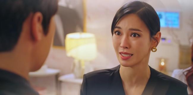 Cuộc chiến thượng lưu tập 5: Bị Seok Kyung công kích, Seo Jin trả đũa lấy cúp nhọn cắm vô đầu đến chết? - Ảnh 4.