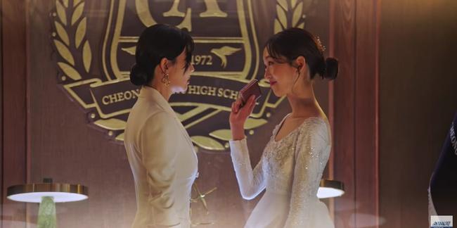 Cuộc chiến thượng lưu tập 5: Bị Seok Kyung công kích, Seo Jin trả đũa lấy cúp nhọn cắm vô đầu đến chết? - Ảnh 6.