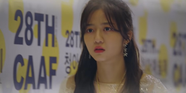 Cuộc chiến thượng lưu tập 5: Bị Seok Kyung công kích, Seo Jin trả đũa lấy cúp nhọn cắm vô đầu đến chết? - Ảnh 8.