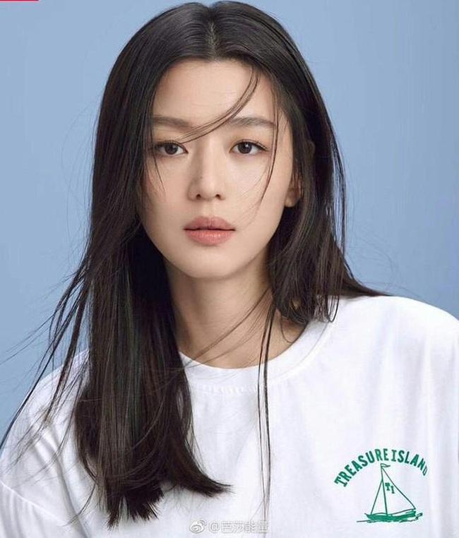 Top mỹ nhân Hàn Quốc sở hữu vẻ đẹp trẻ trung ở tuổi U40: Nhiều lần lộ dấu hiệu lão hóa nhưng Kim Tae Hee vẫn vượt mặt Song Hye Kyo - Ảnh 2.