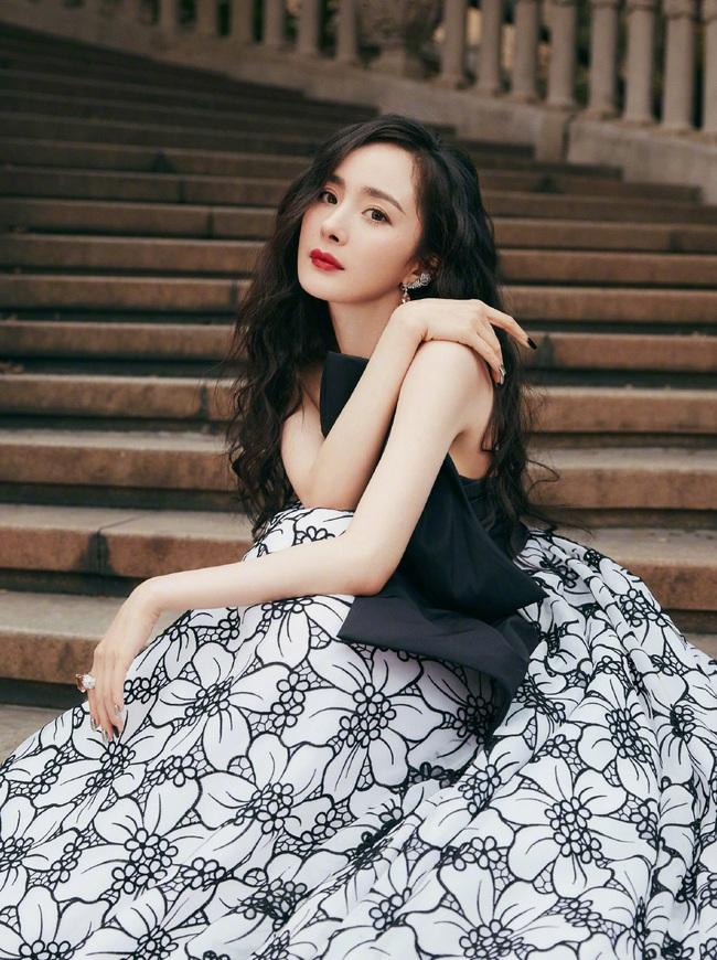 Dương Mịch bị chê tạo hình xấu, fan mắng studio không thương tiếc - Ảnh 7.