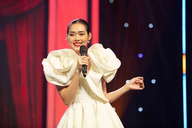 Uyên Linh xấu hổ vì lỡ miệng nhắc tên tình cũ trên sóng truyền hình - Ảnh 4.