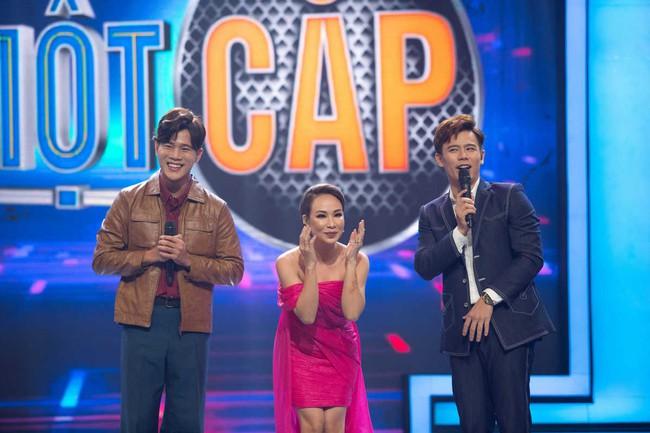 Uyên Linh xấu hổ vì lỡ miệng nhắc tên tình cũ trên sóng truyền hình - Ảnh 3.