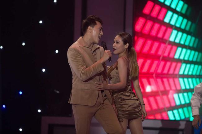 Uyên Linh xấu hổ vì lỡ miệng nhắc tên tình cũ trên sóng truyền hình - Ảnh 6.