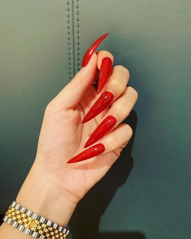 Tham khảo các mỹ nhân Việt 12 bộ nail từ đơn giản đến siêu lồng lộn để diện Tết Tân Sửu - Ảnh 7.